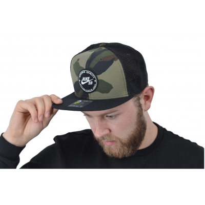 U NK PRO CAP PATCH TRUCKER